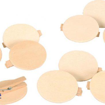 Holz-Buttons blanko zum Anstecken 10 Stück Für Namensschilder, Geschenke, den Adventskalender - Kisus e.K. - kinder, Spiel und Spaß - Bastelbedarf