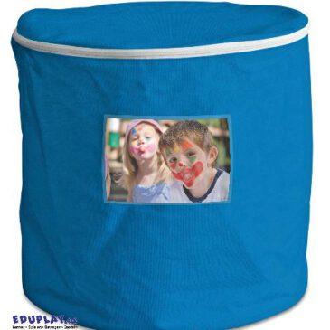 Tonne blau Decken, Kissen, Bausteine - Kisus e.K. - Kinder, Spiel und Spaß - Aufräumen und Ordnung