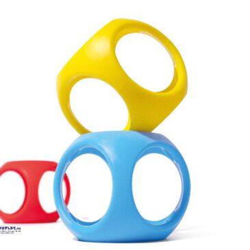 Oibo 3er Set Greifen, beißen, rollen, bauen ... Oibo ist ein elastischer, stapelbarer, rollbarer, zusammendrückbarer, leicht zu greifender sensorischer Würfel für Babys und Kinder.