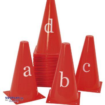 Buchstabenkegel - Für Sport und Spiel ... drinnen und draußen einsetzbar zum Markieren von Spielfeldbegrenzungen oder als Parcours aufbaubar. - Kisus e.K. - Kinder, Spiel und Spaß - kindergartenbedarf