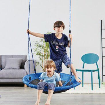 Nestschaukel 100 cm Auch drinnen einfach mal abhängen ... und gemütlich schaukeln In der komfortablen Nestschaukel haben bis zu zwei Kinder Platz zum Sitzen, Schaukeln und Spielen. Tipp: Mit Kissen oder Decke wird der neue Lieblingsplatz noch bequemer.