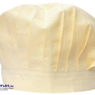 Kochmütze BW Damit die Gäste kein Haar in der Suppe finden ... Mit dieser Mütze sehen kleine Köche schon richtig professionell aus und stolz, wenn der eigene Name darauf steht. Dank Klett ist sie im Kopfumfang verstellbar.