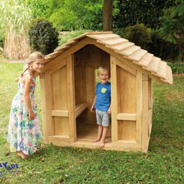 """Spielhaus Robinchen ohne Terrasse Das gehört in jeden """"Kinder-Garten"""" ... Ein Spielhaus bietet den Kindern viele Möglichkeiten sich zu entwickeln: vom Rollenspiel, als Kinder-Theater und es ist auch ein Rückzugsort, wo die Kinder ungestört spielen können."""