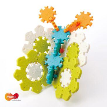 Icy Ice Hoher Spielwert durch vielfältigste Möglichkeiten ... Die Eisblumen und Schneeflocken können zu unzähligen zwei- und dreidimensionalen Objekten verbaut werden: Schmetterling, Blume, Fahrrad, Tiere, Segelboot, Motorrad,