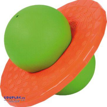 Planeten-Hüpfball Balance- und Hüpftraining für Fortgeschrittene ... Der Planeten Hüpfball fordert Gleichgewicht, Geschicklichkeit und Konzentration gleichermaßen heraus. Wer es schafft, auf der stabilen Kunststoffplatte zu stehen, klemmt den Ball mit den Füßen zusammen und kann dann das Hüpfen üben. - Kisus e.K. - Kinder, Spiel und Spaß - kindergarten, kita, krippe, sportunterrcht, schule, sportverein ausstattung