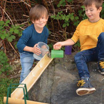 Bambus Rinnen 4er Set Natürliche Wasserrinnen ... Im Nu ist aus den vier Bambus Rinnen eine Wasserbahn gebaut und dann heißt es: Wasser marsch! - Kisus e.K. - Kinder, Spiel und Spaß - Fachgroßhandel für Kita, Kindergarten, Hort und Schule